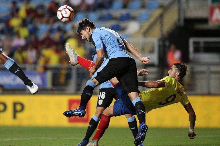 Bruno Méndez debutó en la selección mayor ante Brasil en Wembley. Actualmente capitanea la Sub-20. Ya hay interesados por él. Wandereres recibió consultas de equipos como Corinthians.