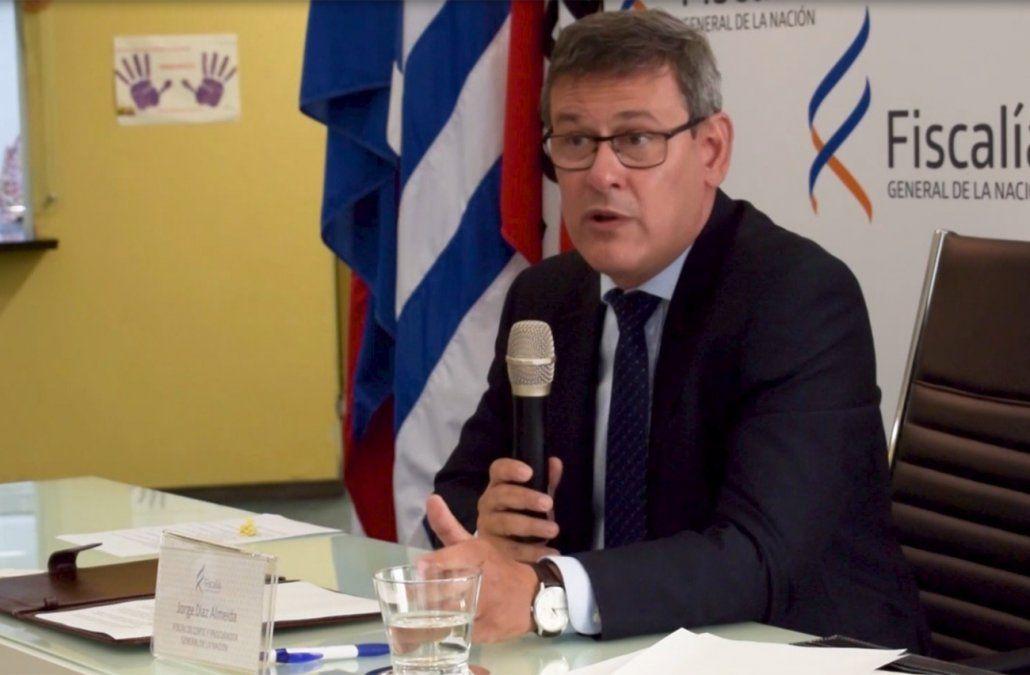 Jorge Díaz a los nuevos fiscales: la gente paga sus sueldos para que acusen a delincuentes