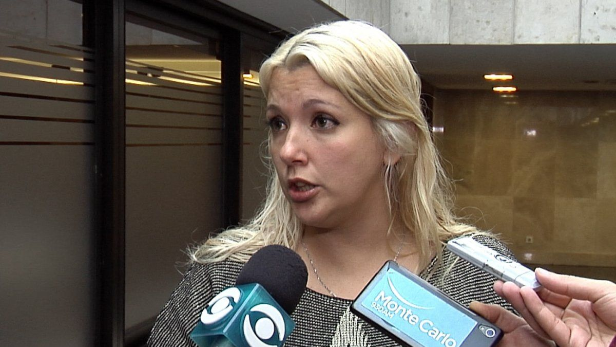 Valeria Ripoll cree que la Intendencia quiere llevar al extremo la situación de limpieza para renegociar con el gremio. La población está atenta.