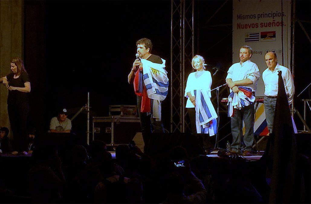 Precandidatos celebraron aniversario del FA con una arenga hacia el cuarto gobierno