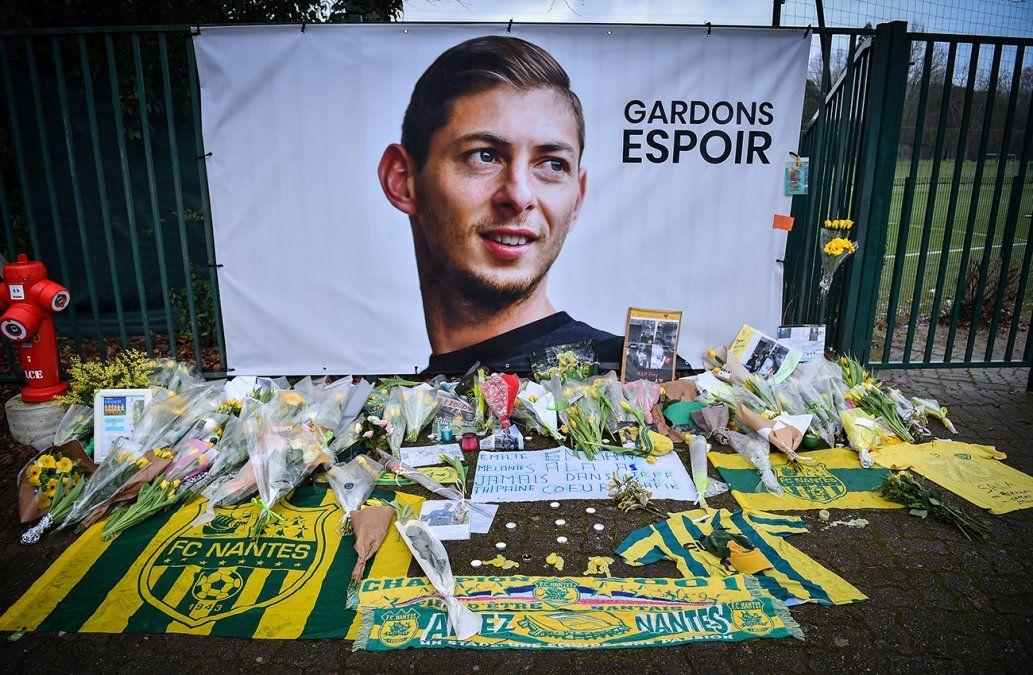 Recuperaron un cuerpo de la avioneta estrellada en la que viajaba Emiliano Sala