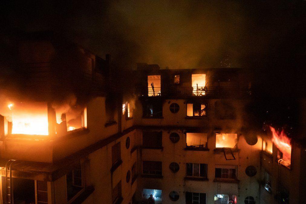 Un incendio en un edificio en la calle Erlanger en el distrito 16 en París