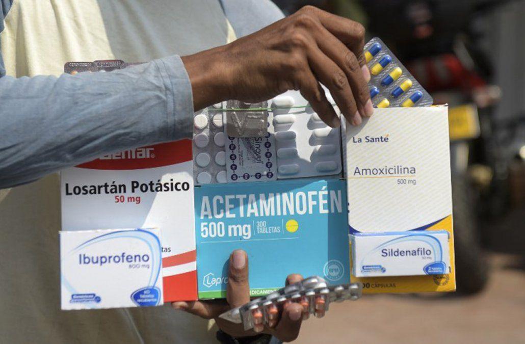 Farmacias callejeras se instalan en la frontera entre Colombia y Venezuela