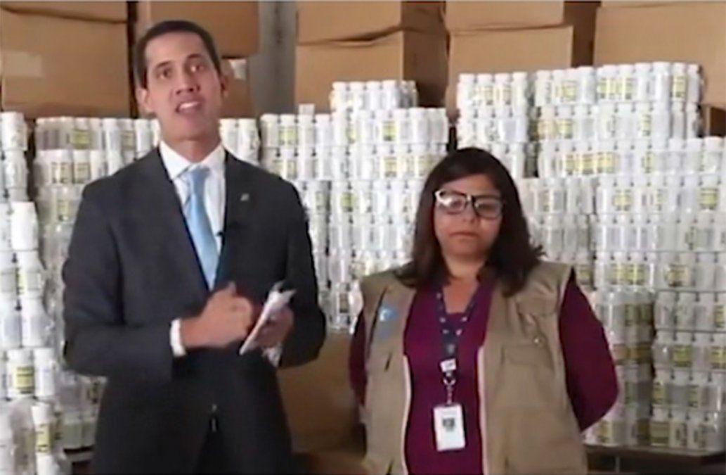 Guaidó entregó el primer cargamento de ayuda humanitaria en Venezuela