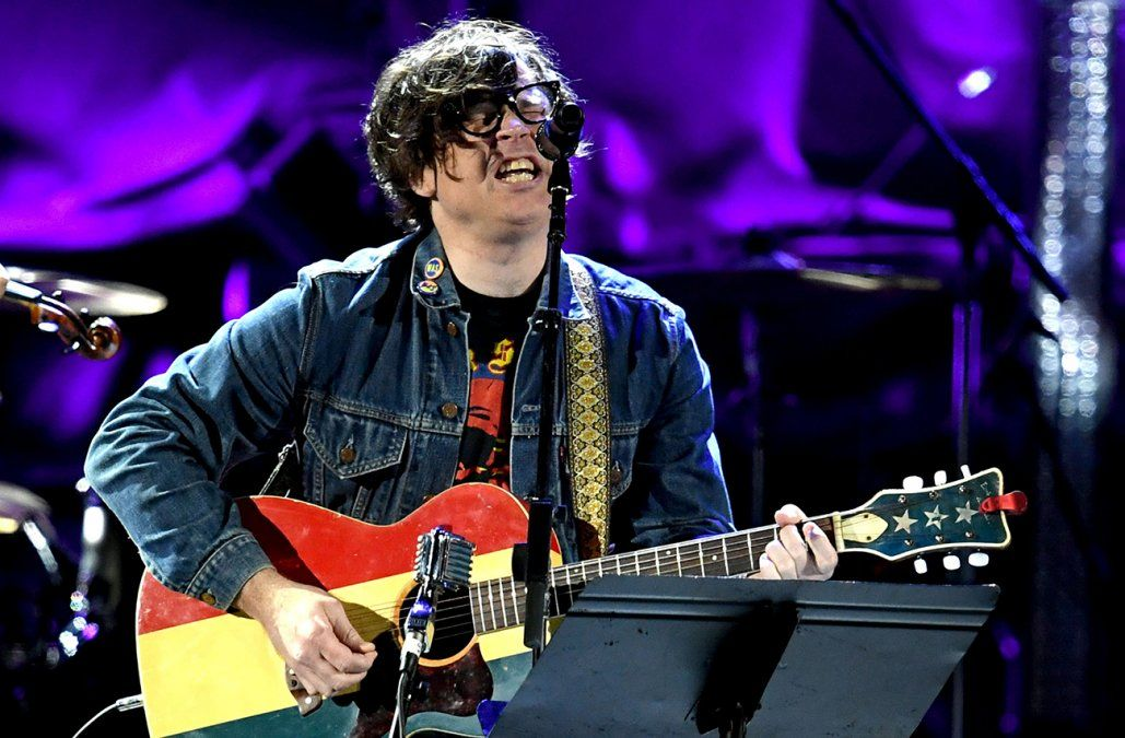 Ryan Adams acusado por varias mujeres de conducta sexual inapropiada