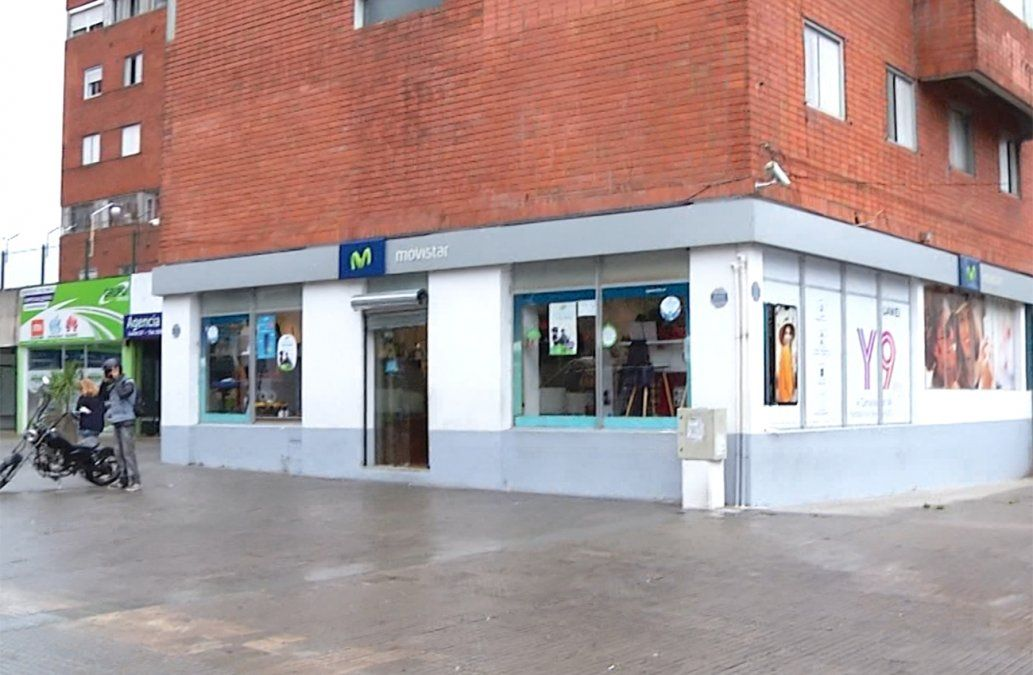 Delincuentes robaron la caja fuerte y celulares de un local comercial en la Unión