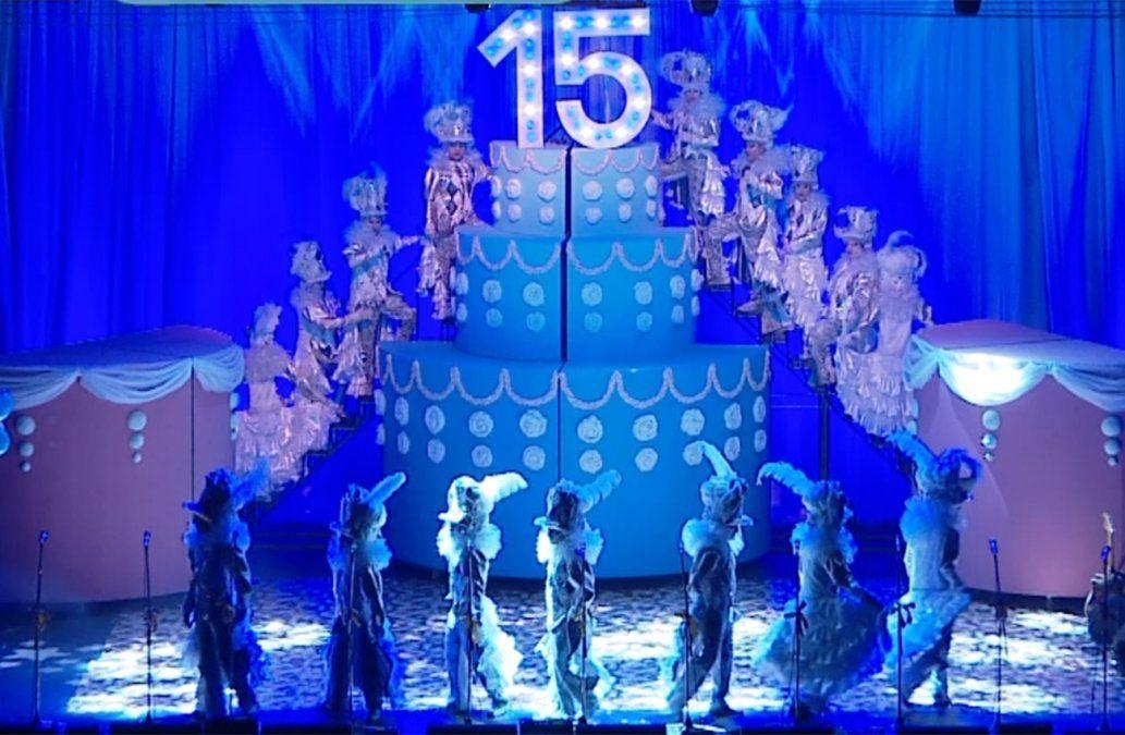 Los Chobys festejaron sus 15 años vestidos de blanco  en el Teatro de Verano