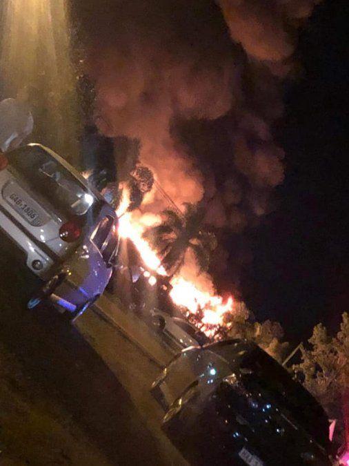 El incendio provocó pérdidas totales.