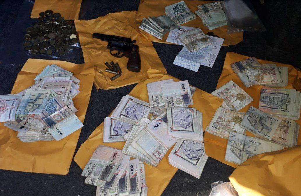 Robaron $150.000 de un Abitab pero fueron detenidos a pocas cuadras con todo el dinero