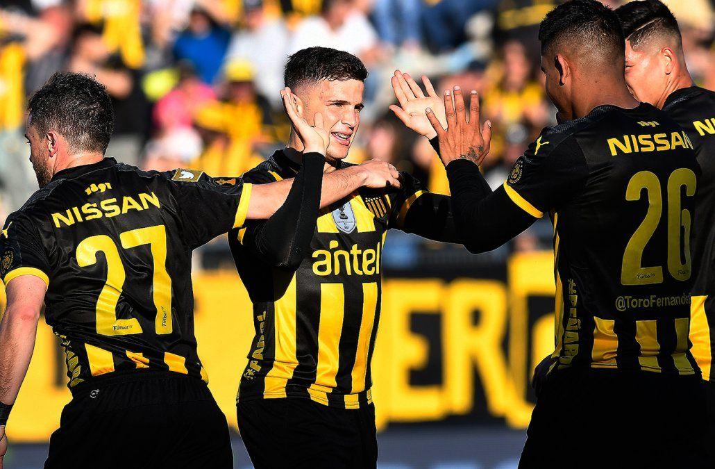 Peñarol irá por la victoria ante Defensor para sumar puntos en su visita al Franzini