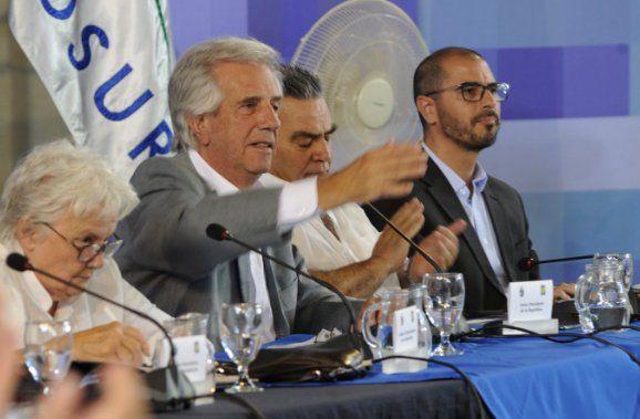La ironía de Tabaré Vázquez sobre las denuncias contra UPM No vi que nacieran niños de dos cabezas