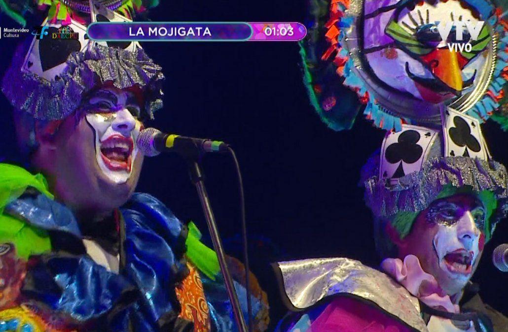 La Mojigata pasó por el Teatro de Verano con su crítica a la política cotidiana