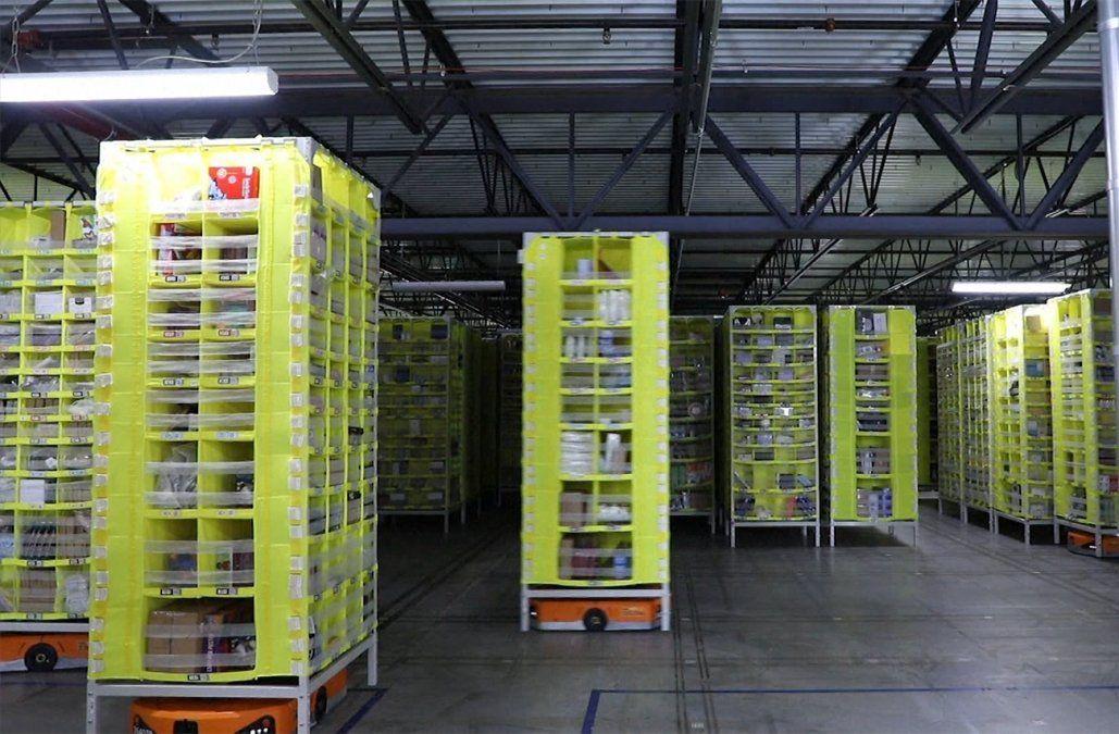 Amazon emplea robots colaborativos dentro de sus plantas de distribución