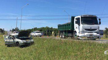 Mujer grave en siniestro sobre Ruta 102, frente al Campeón del Siglo