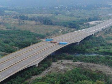 Maduro ordena el cierre total de la frontera con Brasil y se aisla de sus vecinos