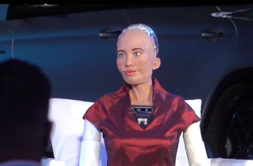 Sophia, la primera ciudadana androide del mundo, estuvo en Punta del Este