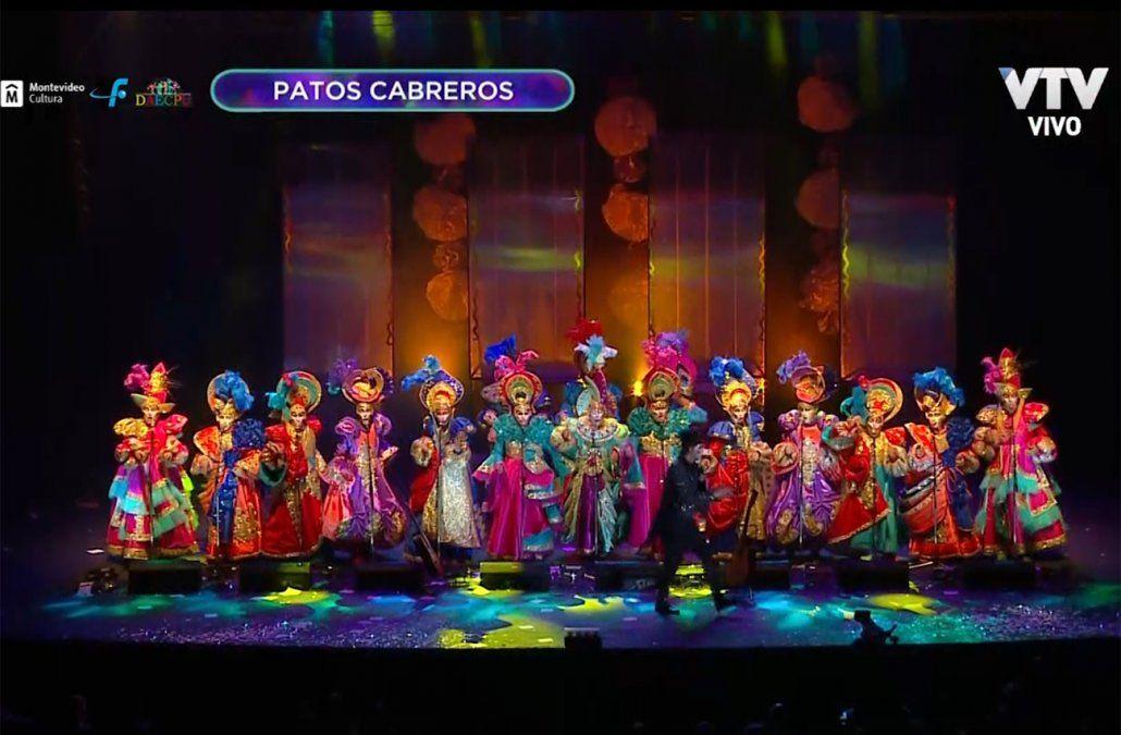 El coro de la murga Patos Cabreros volvió a deslumbrar en el Teatro de Verano