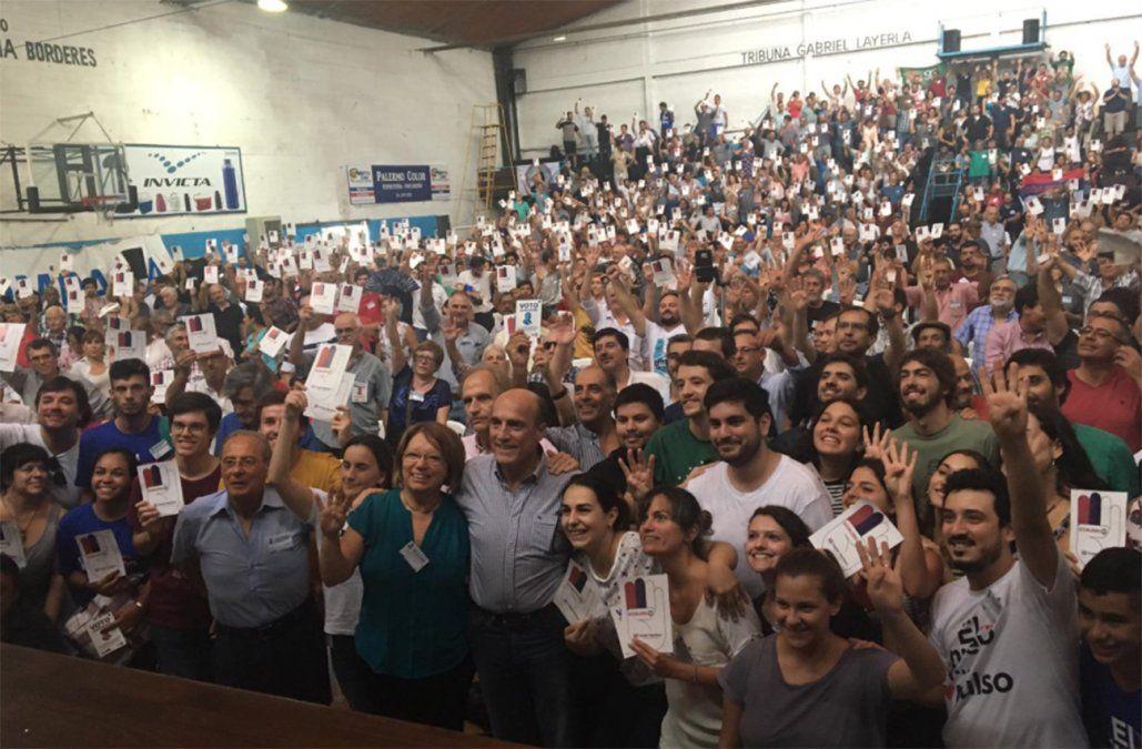 Martínez resta importancia a encuestas: me importa más acumular para octubre