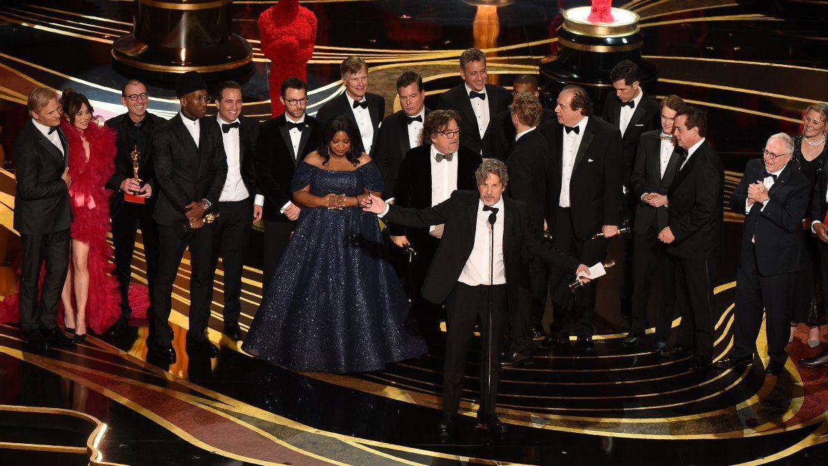 El elenco de Green Book recibe el premio a Mejor Película.