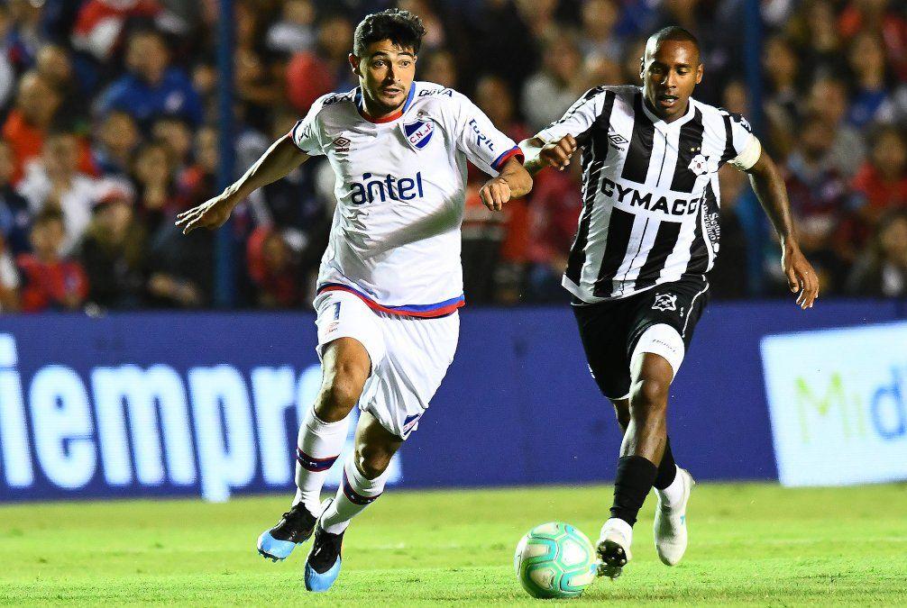 Wanderers lo hizo de nuevo: goleó a Nacional 4 a 1 en el Parque Central