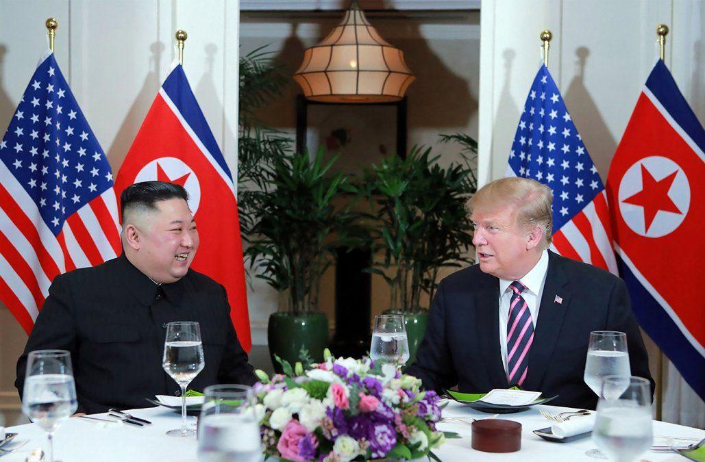 Trump y Kim, optimistas al inicio de su cumbre bilateral en Vietnam