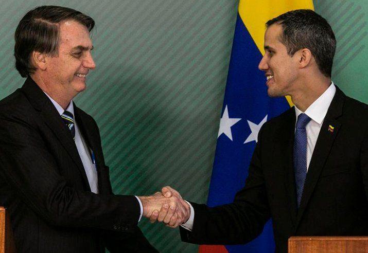 Guaidó y Bolsonaro se dan la mano en Brasilia