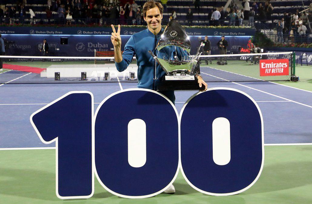 Federer agranda su leyenda al conquistar su título número 100 como profesional
