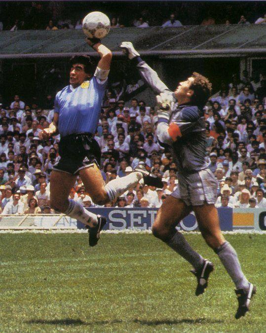 La mano de Dios de Maradona en 1986