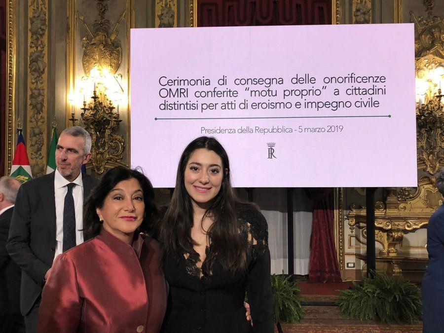 La rochense Isabel Fernández Reveles junto a su hija