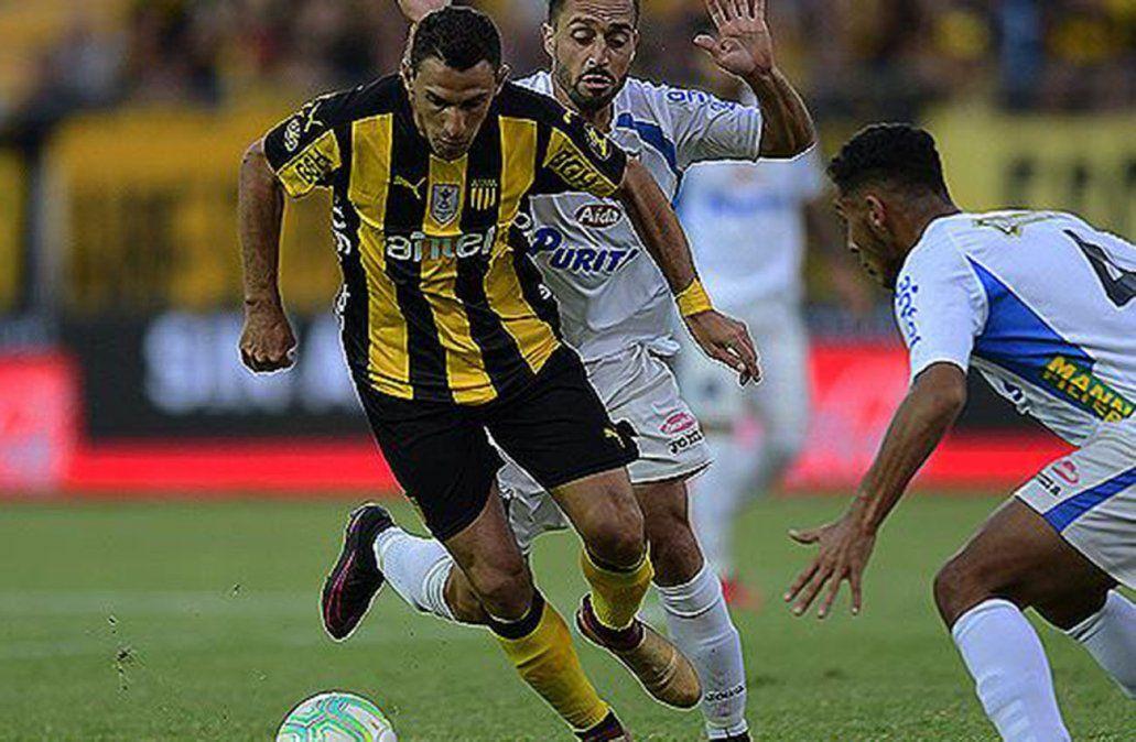 Continúa la cuarta fecha con el encuentro de Peñarol y Liverpool en el Campeón del Siglo