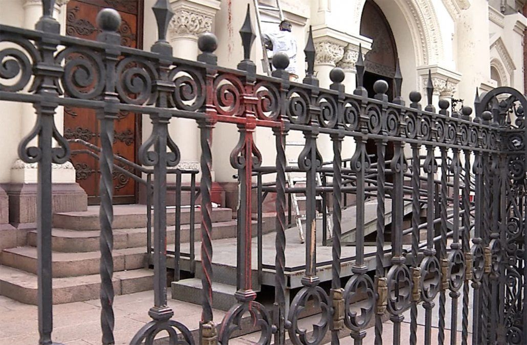 Fiscalía investiga de oficio la vandalización a iglesia y fachadas de Cordón