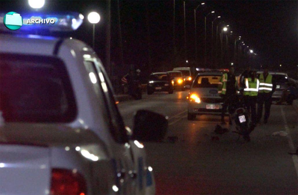 Dos jóvenes fallecieron al chocar de frente en moto jugando a la Gallinita ciega