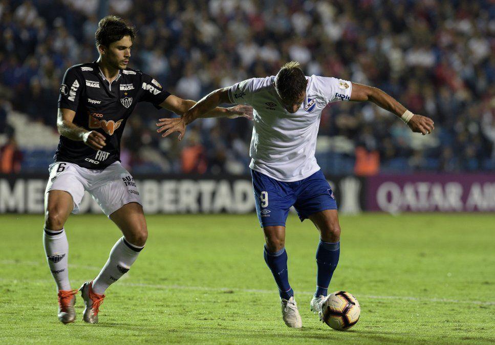 Nacional derrotó a Atlético Mineiro y se consolidó como puntero en el grupo E
