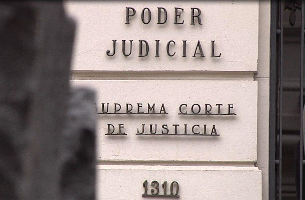 Funcionarios judiciales rechazan acusación furibunda del general Manini Ríos