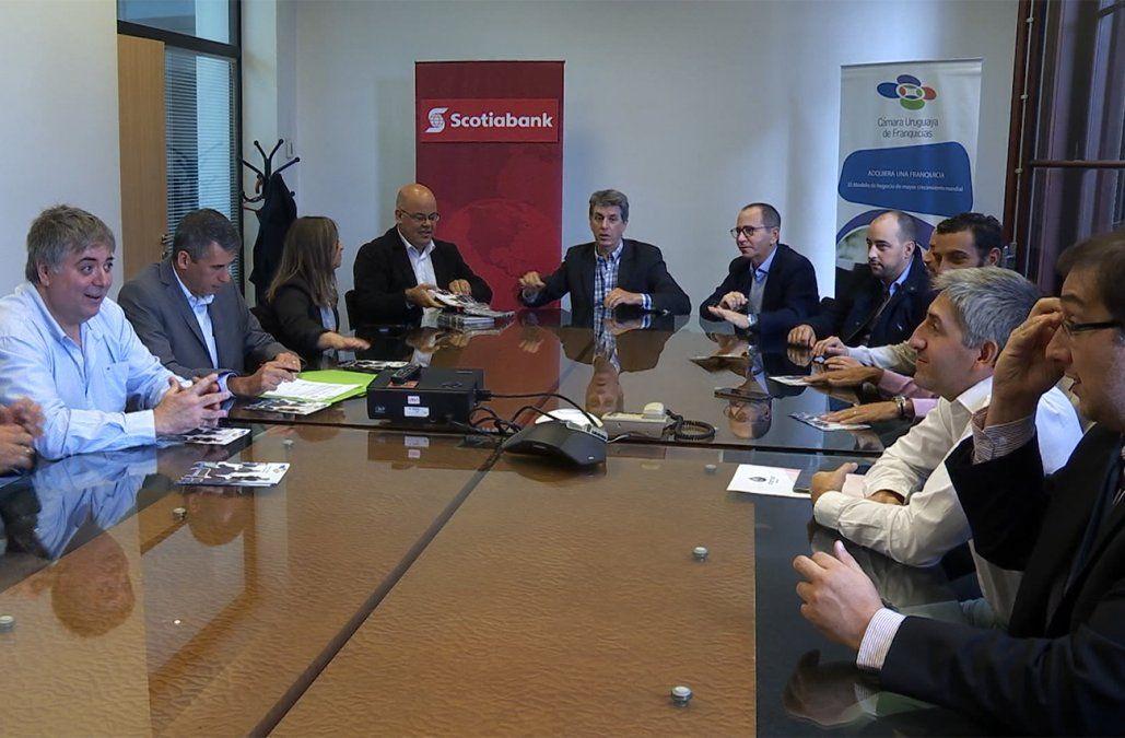 Cámara Uruguaya de Franquicias firmó convenio con Scotiabank para acceder a créditos especiales