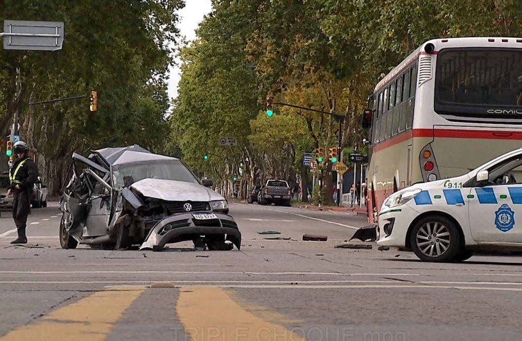 Accidente de tránsito con mujer politraumatizada y pérdida de conocimiento