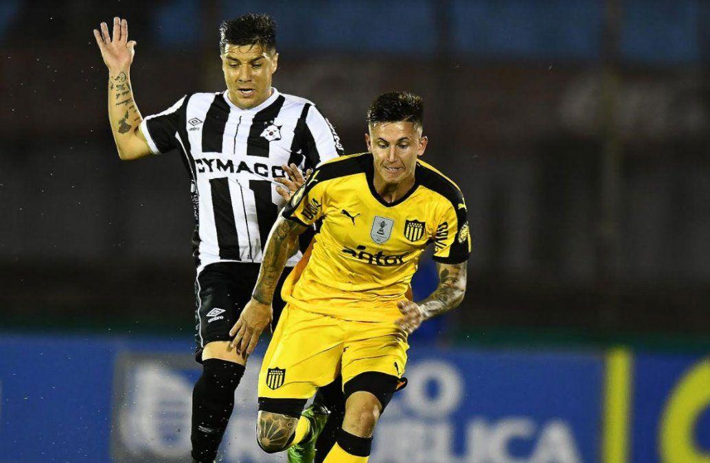 Wanderers le ganó 2-0 a Peñarol que perdió el invicto del Apertura en el Centenario