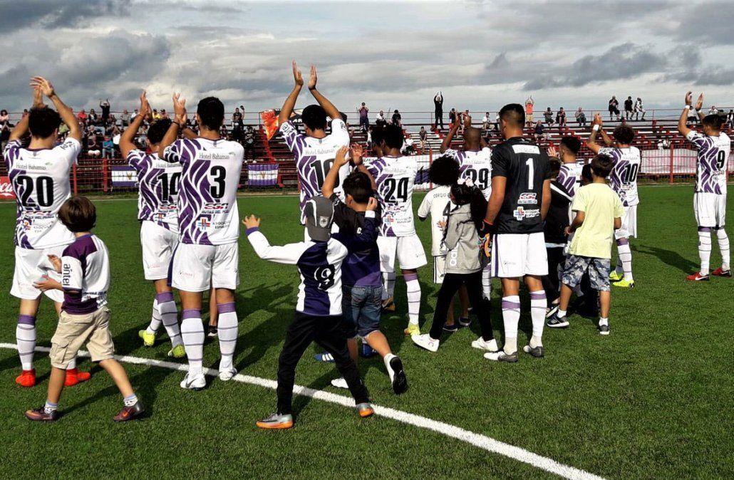 Fénix es el líder del Torneo Apertura tras una fecha en la que cayeron Peñarol y Nacional