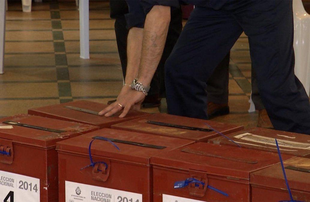Si las elecciones fueran hoy: Frente Amplio 33% y Partido Nacional 31%