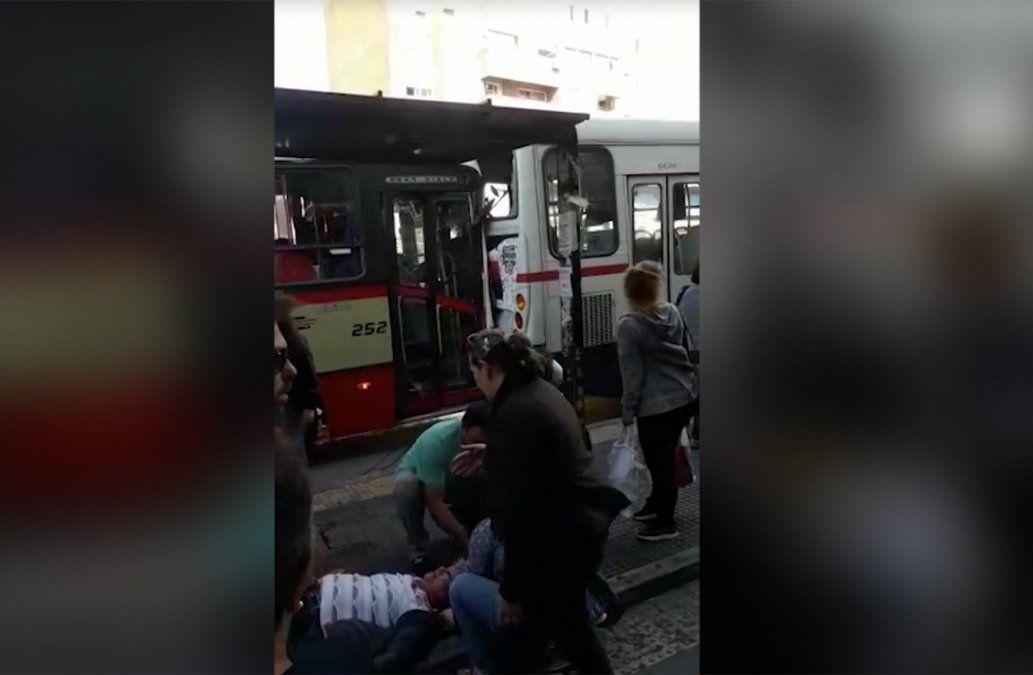 Seis personas heridas tras chocar dos ómnibus en Paso Molino