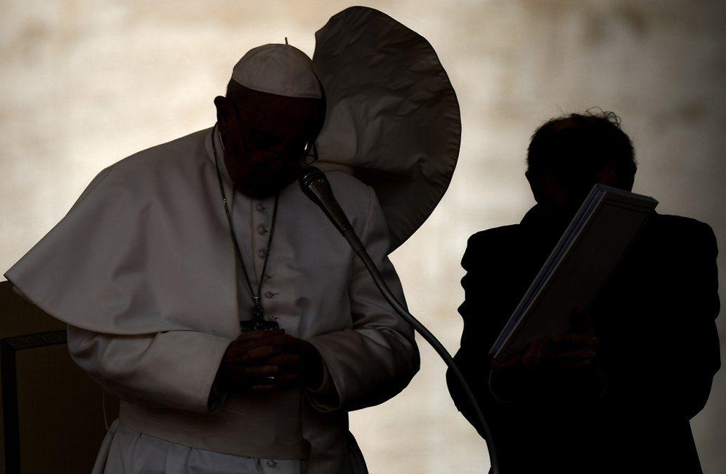 El papa rechaza la renuncia del cardenal Barbarin y enfurece a las víctimas de pederastia