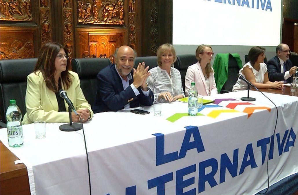 La Alternativa presentó una fórmula paritaria con Pablo Mieres y Selva Andreoli