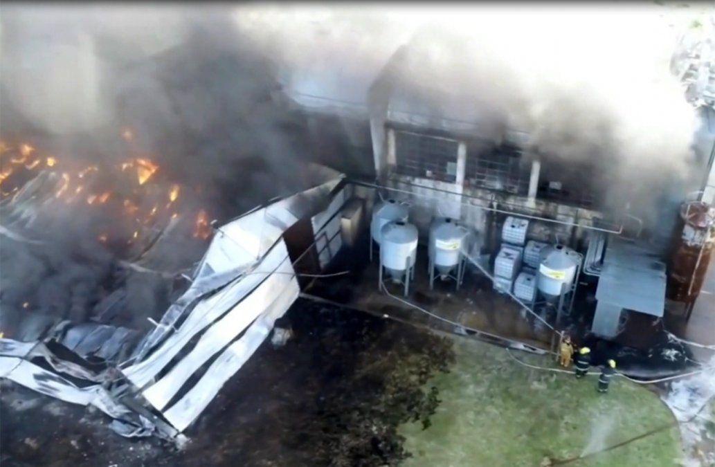 Fuego extinguido en fábrica de Maroñas: consumió el 70% de las instalaciones