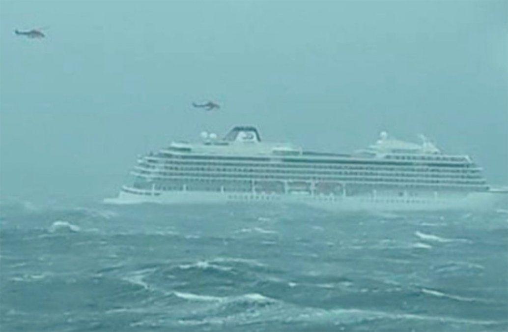 Avería en un crucero obliga a evacuar a 1.300 pasajeros ante costas noruegas