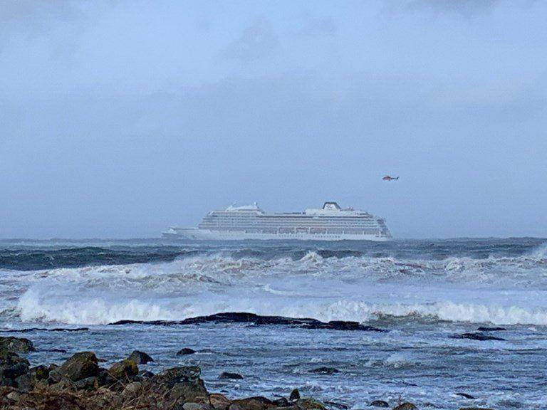 Avería en un crucero ante costas noruegas obliga a evacuar a 1.300 pasajeros