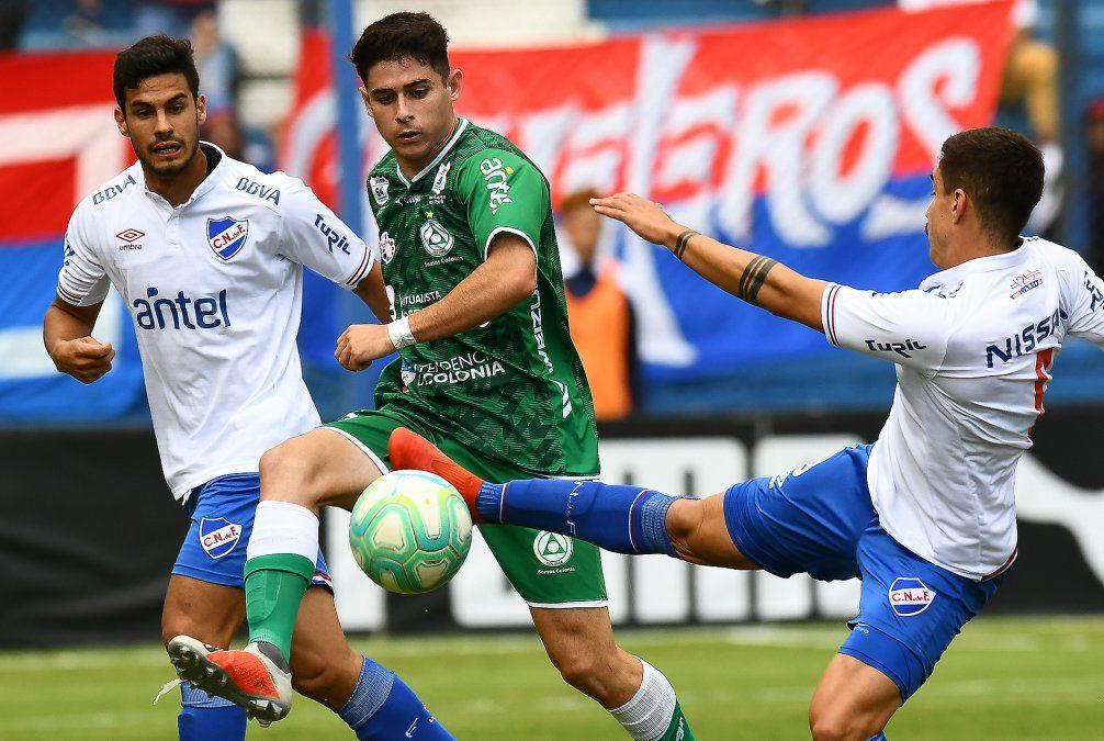 Nacional ganó 3 - 0 contra Plaza Colonia en el debut de Gutiérrez