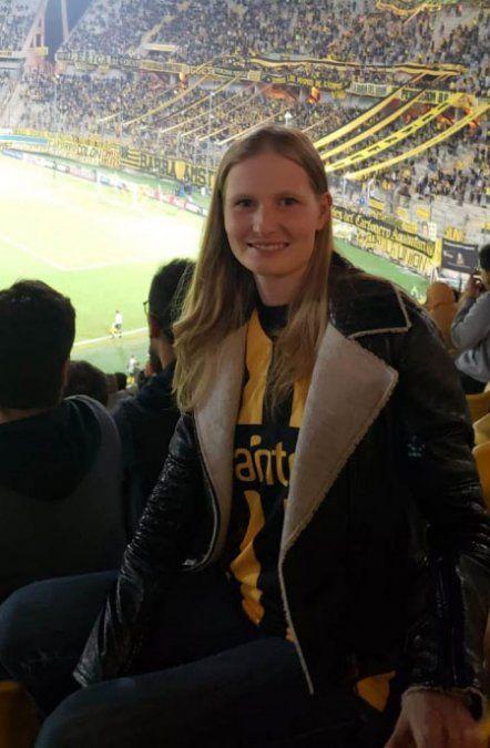 Katia tiene 29 años y se casó con Sartori en 2015. Tienen tres hijos. Se conocieron en una fiesta privada en la isla griega Skorpios. A ese lugar volvieron para contraer nupcias.