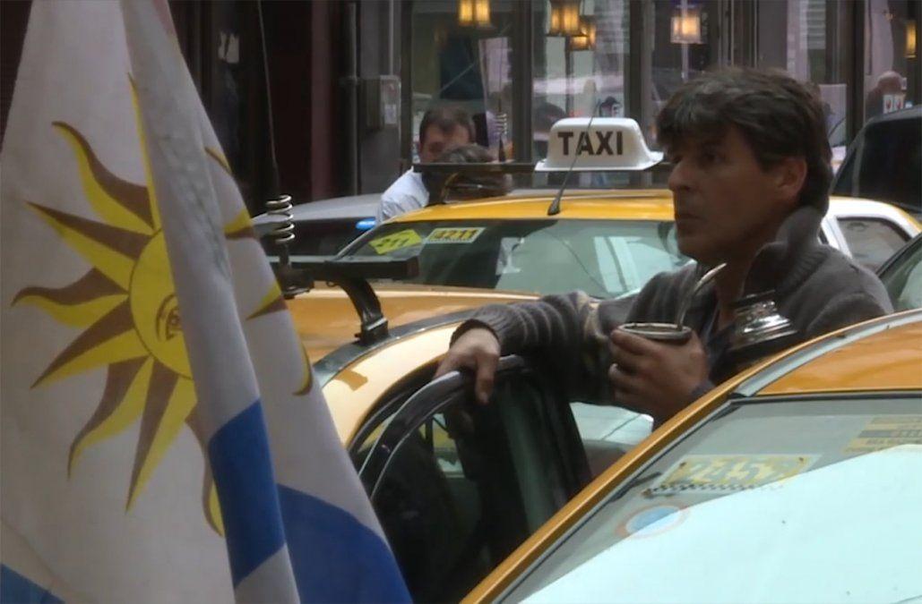 Trabajadores del taxi inician este martes un paro en contra de las aplicaciones