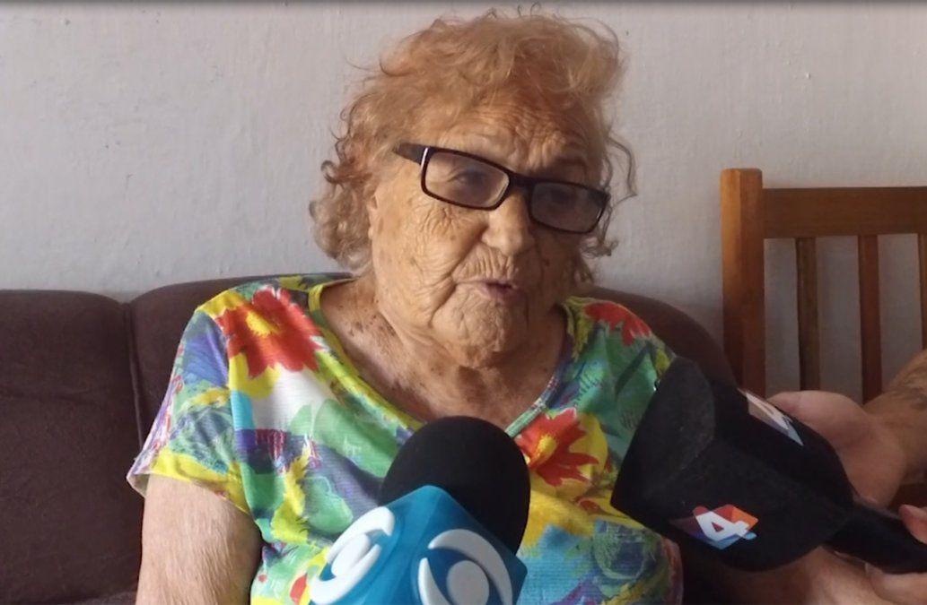 Abuela de 104 años que salvó la vida de su nieta aseguró que nunca sintió miedo