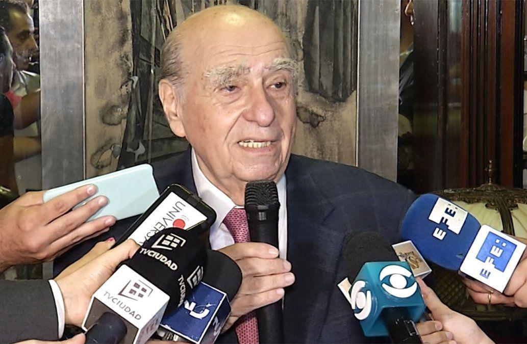 Sanguinetti marca error de Vázquez pero respalda cese del comandante y seis generales